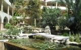 Территория отеля на Родосе